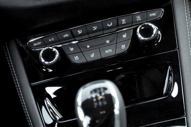 Opel Astra V