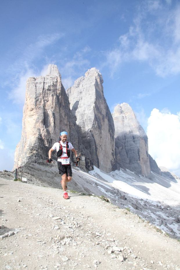 Adam Hofman podczas The North Face Lavaredo Ultra Trail na 120 km, rozgrywanego w sercu włoskich Dolomitów