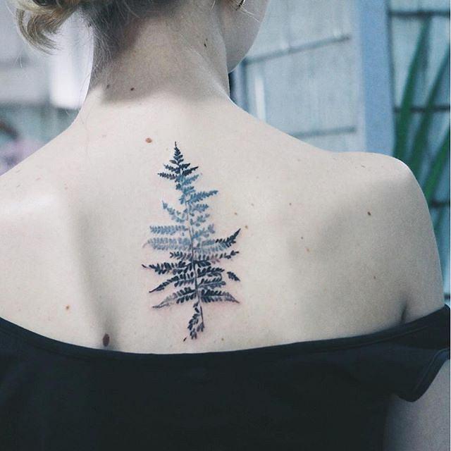 Tatuaże Idealne Dla Miłośników Przyrody Ta Ukrainka Bazuje