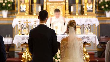 Śluby kościelne są coraz droższe?