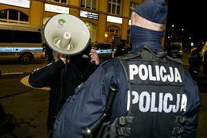 Nie chcąc dopuścić do buntu w policji, PiS przyznaje mundurowym kolejne przywileje