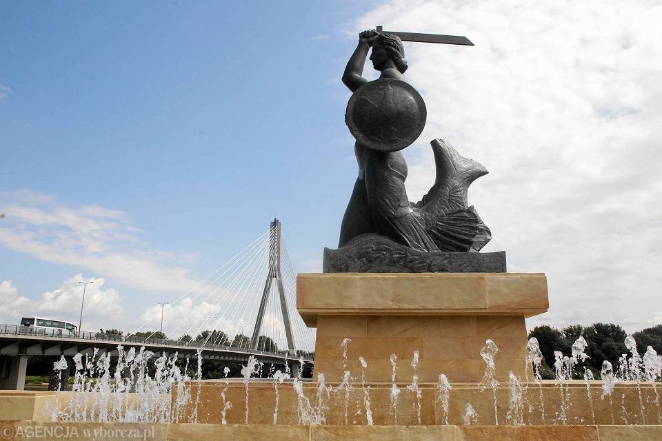 Pomnik Syrenki nad Wisłą po renowacji. Znów działa fontanna