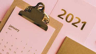 Kalendarz ferii i świąt w 2021 roku.
