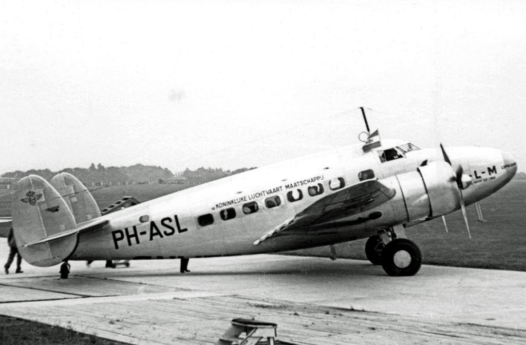 Lockheed 14H
