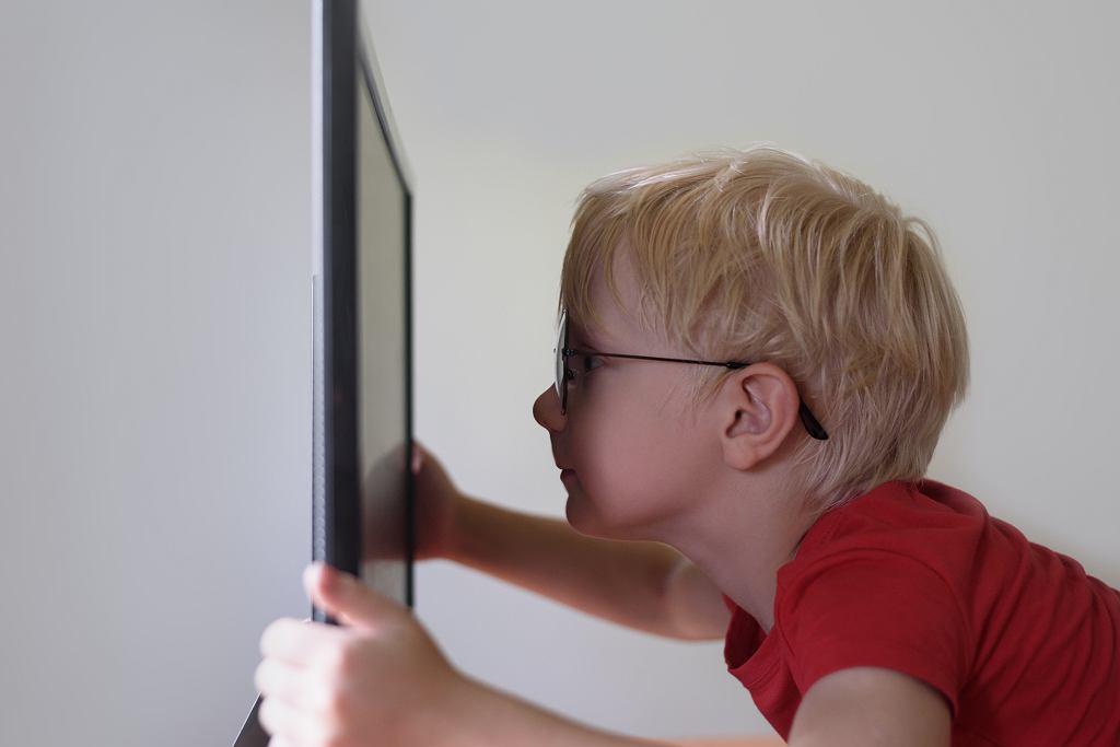 Autyzm - objawy, przyczyny. Jak leczyć?