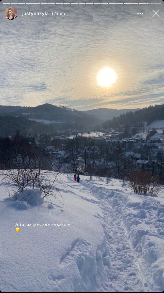Justyna Żyła wraca z dziećmi ze szkoły