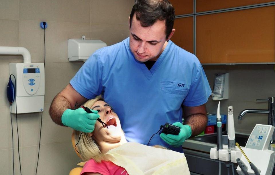 Dentyści z Gliwic będą znieczulać prądem