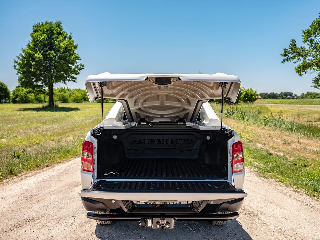Akcesoryjna pokrywa z laminatu, na szczęście, nie pozbawia właściciela ulg z tytułu użytkowania samochodu ciężarowego