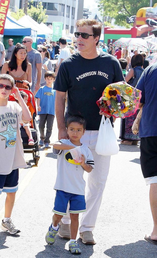 ?2012 RAMEY PHOTO 310-828-3445 Beverly Hills, California, August 26, 2012 Chris Noth and son Orion enjoy some cooler weather as the make their way through the farmers market. VIMO