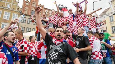 Kibice Chorwacji i Irlandii opanowali Stary Rynek na kilka godzin przed pierwszym meczem Euro 2012 w Poznaniu