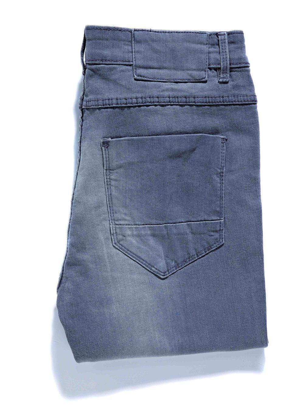 Zdjęcie numer 10 w galerii - Jasne dżinsy: zobacz najmodniejsze wzory
