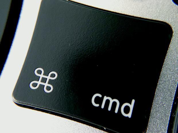 Przycisk  'Command' na makowej klawiaturze