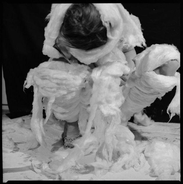 Teresa Tyszkiewicz, Wata 1981. Praca z wystawy 'Dzień po dniu', która w piątek, 29 maja, otwiera się w Muzeum Sztuki w Łodzi