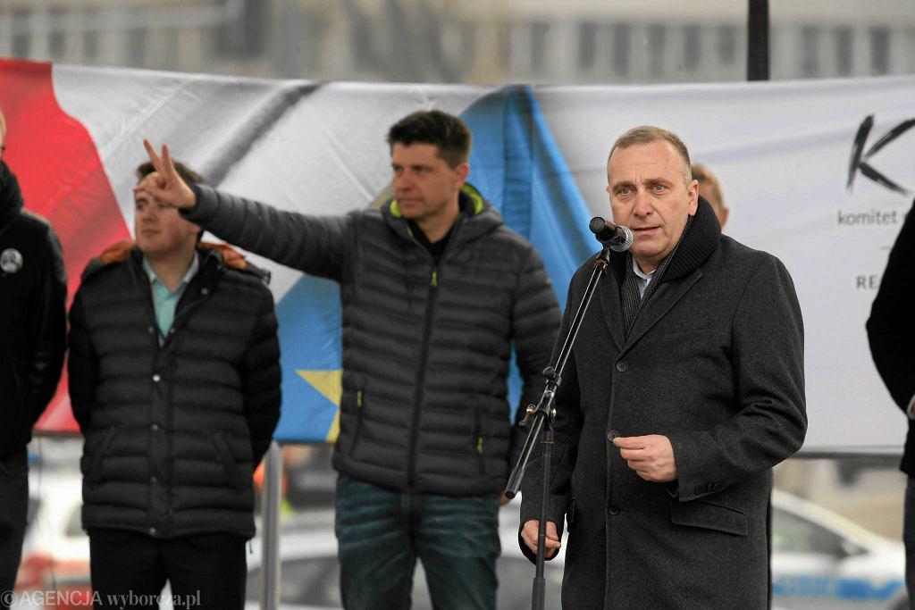 Grzegorz Schetyna i Ryszard Petru na demonstracji KOD 27 lutego w Warszawie