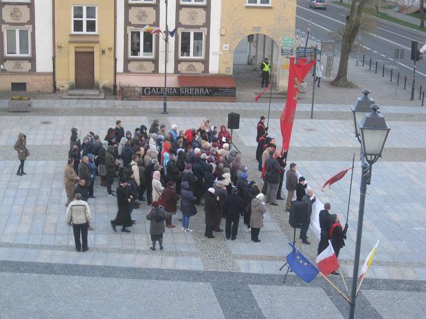 Publiczny różaniec o odnowę narodu polskiego w centrum Białegostoku.