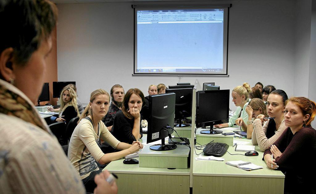 Studenci z Ukrainy podczas zajęć na jednej z polskich uczelni (fot: Grzegorz Celejewski/ Agencja Gazeta)