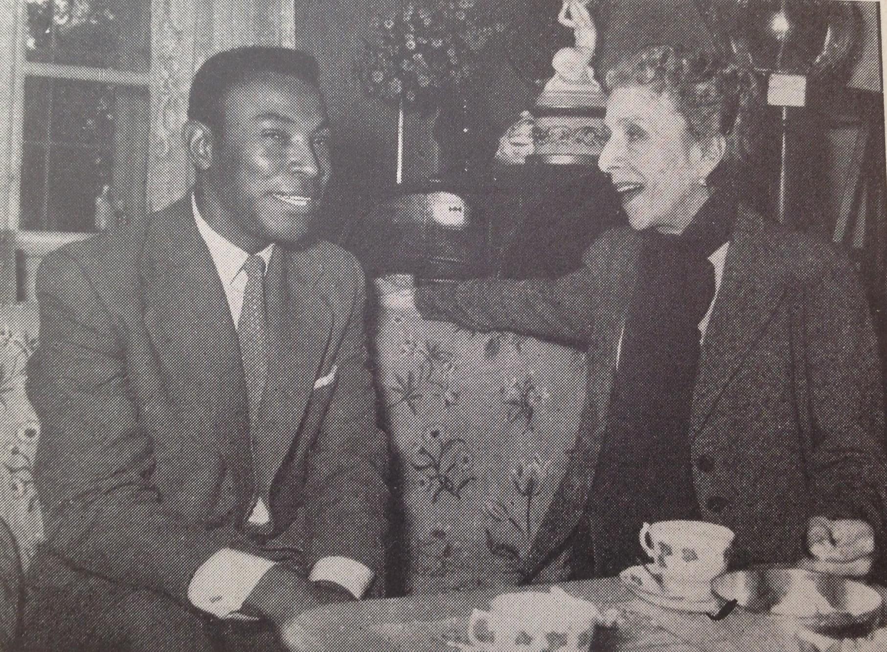 Muzyk Eugene Haynes i Karen Blixen (fot. Wikimedia Commons / domena publiczna)