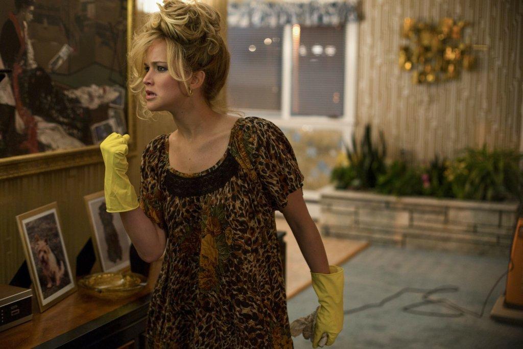 Jennifer Lawrence w 'American Hustle'. Kto zna ją tylko z 'Igrzysk śmierci', ten będzie w szoku / Fot. materiały prasowe