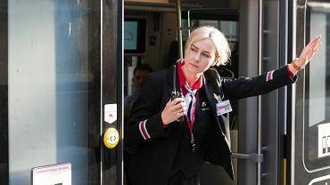 Jesienią 2020 r. w Kolejach Dolnośląskich pracowało 244 kierowników pociągów i konduktorów