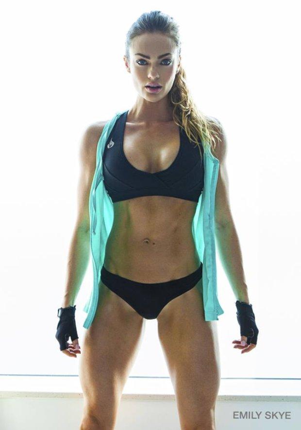 Emily Skye. Niezwykła metamorfoza trenerki fitness
