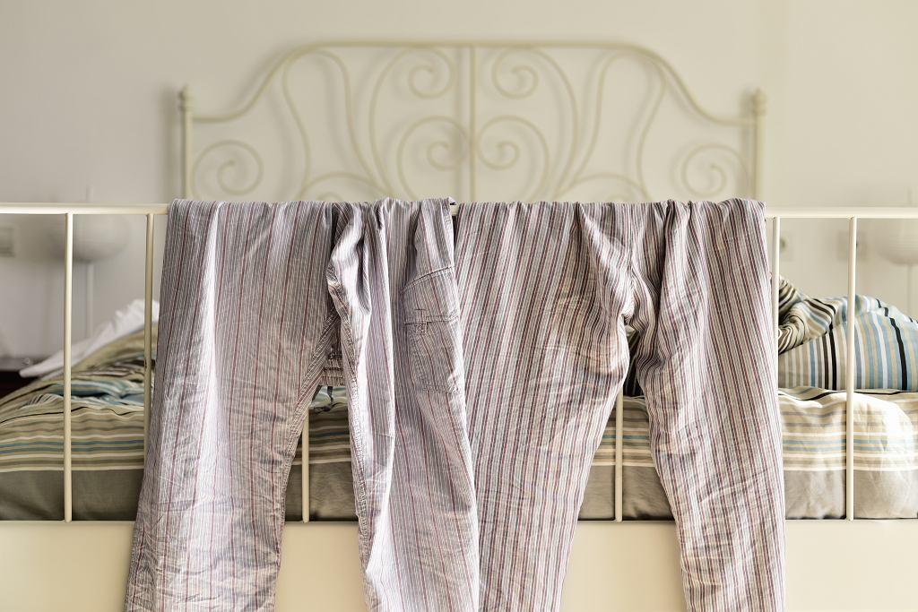 Jak często prać i zmieniać piżamę? 'Test wąchania nie jest dobrym rozwiązaniem' (zdjęcie ilustracyjne)