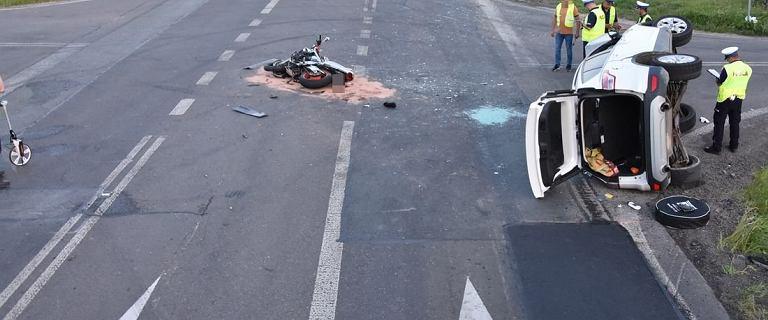 Krasnystaw. Zderzenie motocykla z osobówką. Dwie osoby zginęły