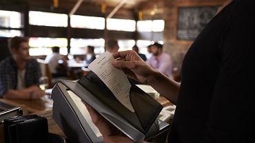 """""""Paragon kelnerski"""" dla klienta: Świadczyć może o ukrywaniu prawdziwych obrotów przedsiębiorcy"""