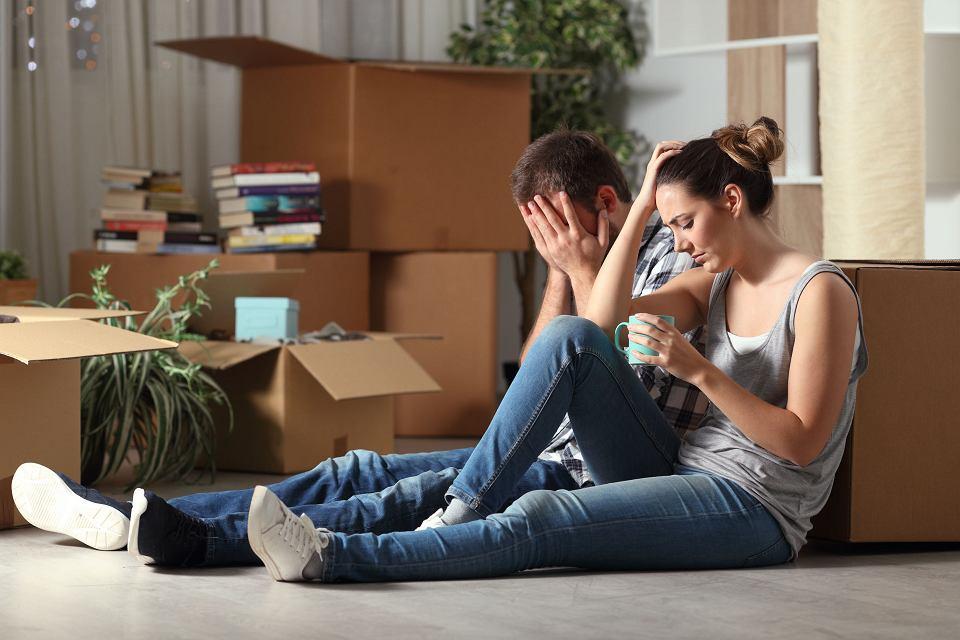 Spadkobiercy - jeżeli nie stać ich na utrzymanie np. zadłużonego mieszkania po dziadku, mogą je sprzedać choćby następnego dnia po objęciu spadku.