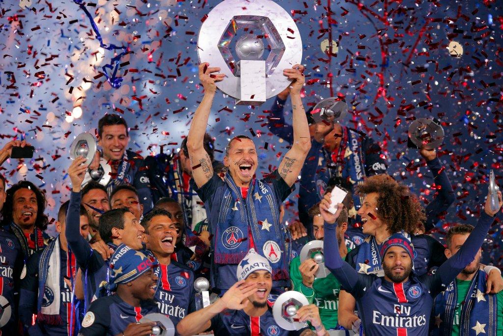 - To wyjątkowy dzień, przez cztery lata wygraliśmy razem mnóstwo trofeów. Dziękuję, Ibrakadabra! Bez Ibry będzie ciężko [wygrywać trofea], ale to możliwe! - powiedział Ibrahimović po meczu