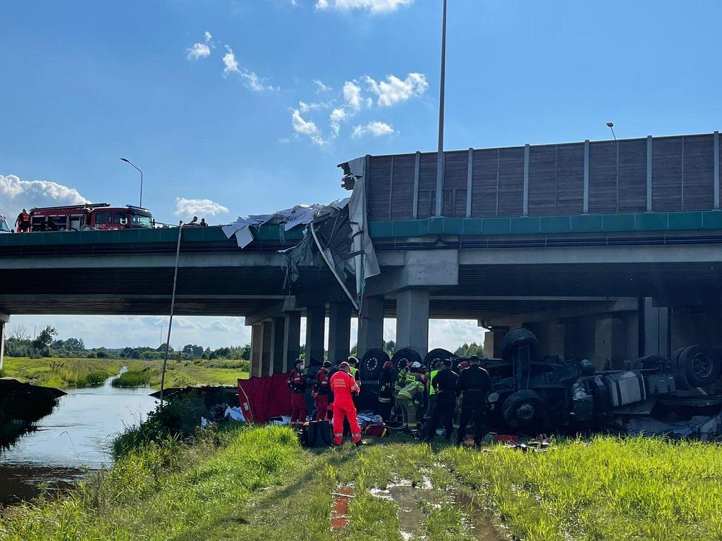 Wypadek na trasie S8 w miejscowości Nadma koło Radzymina