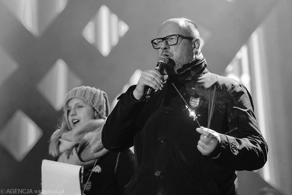 Prezydent Gdańska Paweł Adamowicz nie żyje. Na zdjęciu: podczas 27. Finału Wielkiej Orkiestry Świątecznej Pomocy. Gdańsk, 13 stycznia 2019
