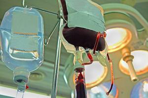 Transfuzja krwi - na czym polega, zasady dotyczące przetaczania krwi oraz możliwe powikłania