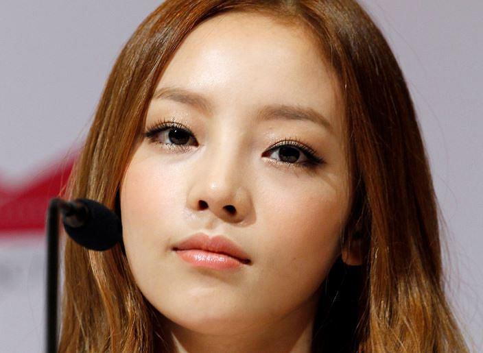 Goo Hara, piosenkarka k-popowa