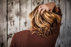 Modne fryzury damskie 2020. Cięcia, które optycznie wyszczplą twarz