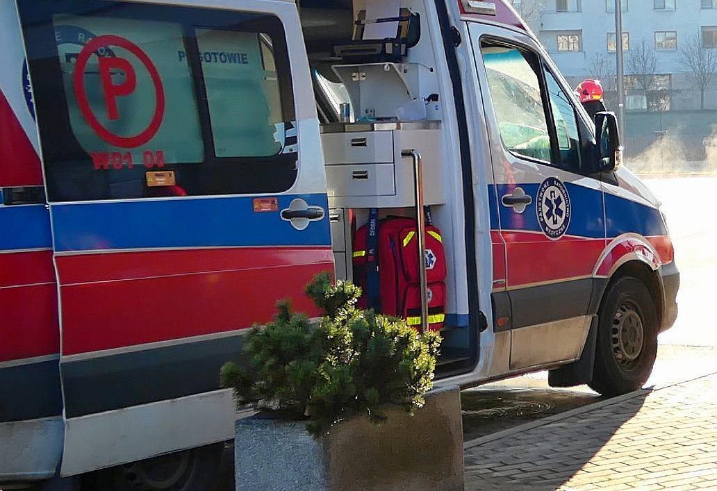 Poznań. Kobieta z dwójką małych dzieci w szpitalu z oparzeniami. Miała dolewać paliwo do biokominka