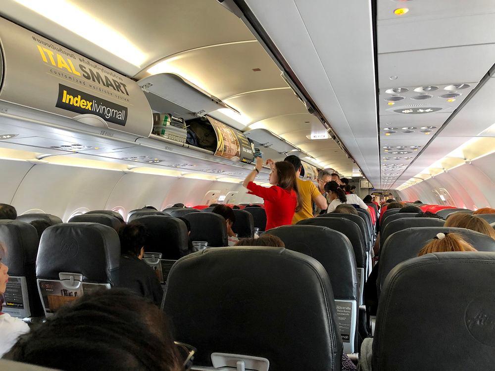 Niecodzienne zalecenia dla personelu pokładowego w Chinach / Zdjęcie ilustracyjne