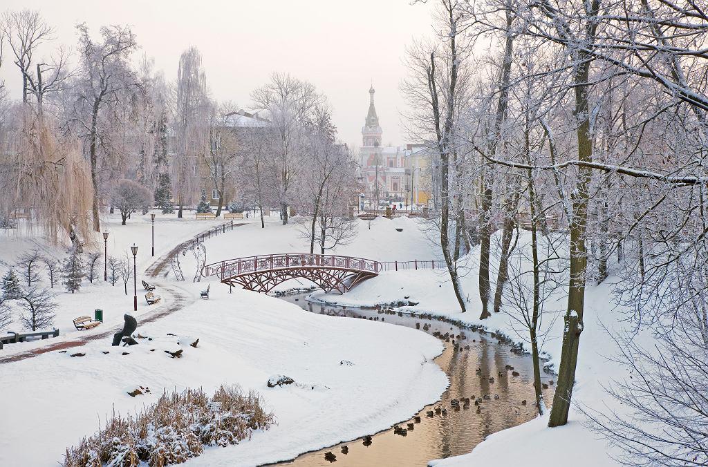 Miejsca w Polsce i blisko granicy, które warto zobaczyć zimą. 6 niebanalnych propozycji