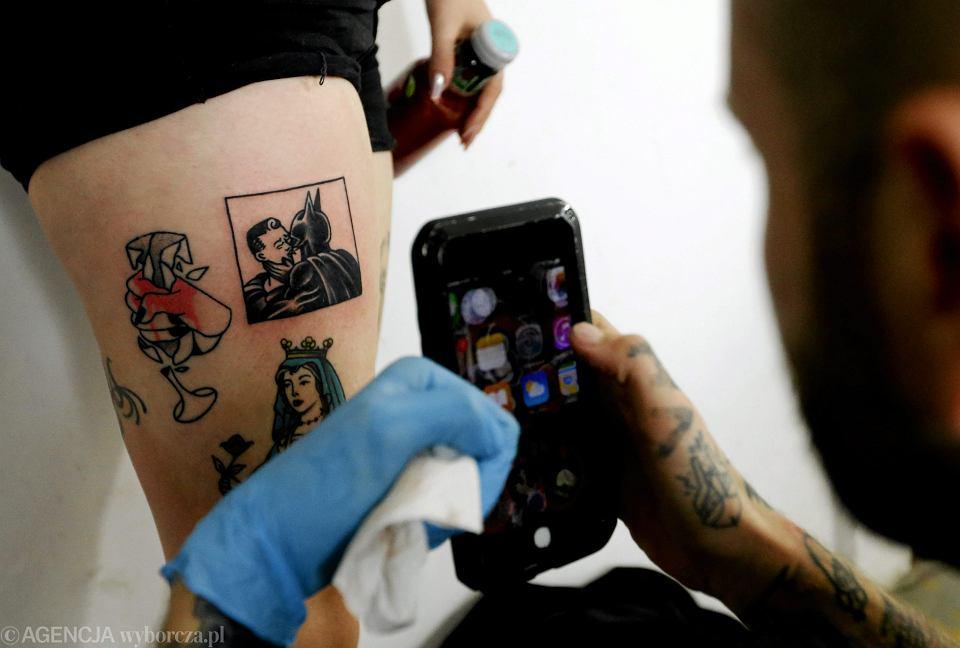 tatuaże z piercingiemrandki gejowskie detroit mi