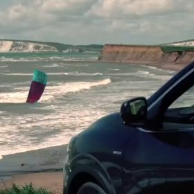Renault KADJAR | Kitesurfing |Tom Court -