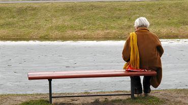 Reforma emerytalna PiS zakłada, że nasze prywatne pieniądze z IKE będą przeznaczane na wyrównanie do emerytur minimalnych. Kto zaoszczędzi? ZUS.