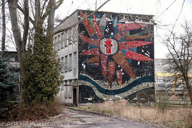 Mozaika na dawnym budynku Stoczni Szczecińskiej