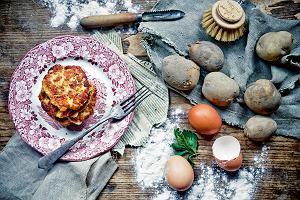 Jak zrobić tradycyjne placki ziemniaczane? Przepis podstawowy i kilka przydatnych porad, by wyszły idealne