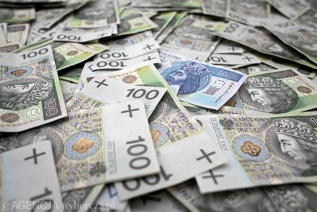 S21.01.2011 WARSZAWA , BANKNOTY STUZLOTOWE .FOT. FRANCISZEK MAZUR / AGENCJA GAZETA