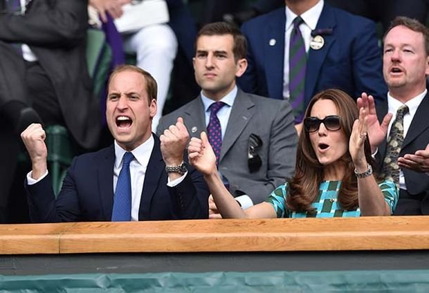 LONDON, ENGLAND - JULY 06:  Catherine, Duchess of Cambridge and Prince William, Duke of Cambridge attend the mens singles final between Novak Djokovic and Roger Federer on centre court during day thirteen of the Wimbledon Championships at Wimbledon on July 6, 2014 in London, England.  (Photo by Karwai Tang/WireImage)