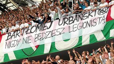 """Transparent na """"żylecie"""" w czasie meczu Legia - Podbeskidzie"""