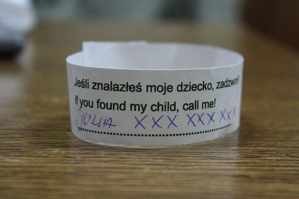 Taka opaska może pomóc odnaleźć zaginione dziecko