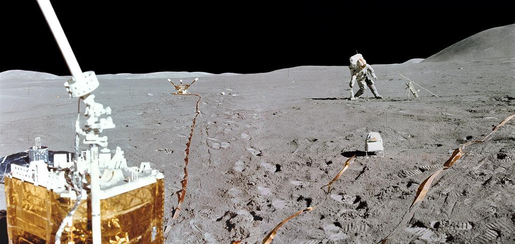 Amerykanie chcą wrócić na Księżyc. Na zdjęciu: dowódca misji Apollo 15 David R. Scott spaceruje po Księżycu, 1 sierpnia 1971 roku.