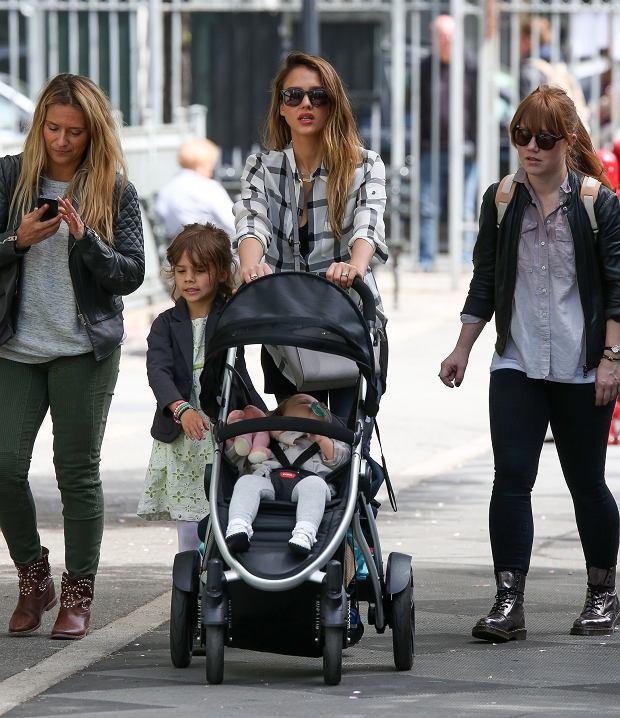 NON EXCLUSIVE / NO NYC PAPERS SALES May 6th 2013: Jessica Alba and a friend take daughters Haven Garner Warren, Honor Marie Warren to play in the park in New York City, USA ???MANDATORY BYLINE : Pictures by Dave Spencer
