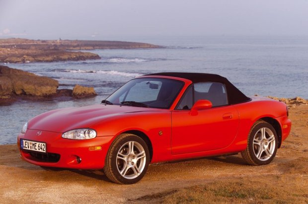 Mazda MX-5 drugiej generacji (fot. Mazda)