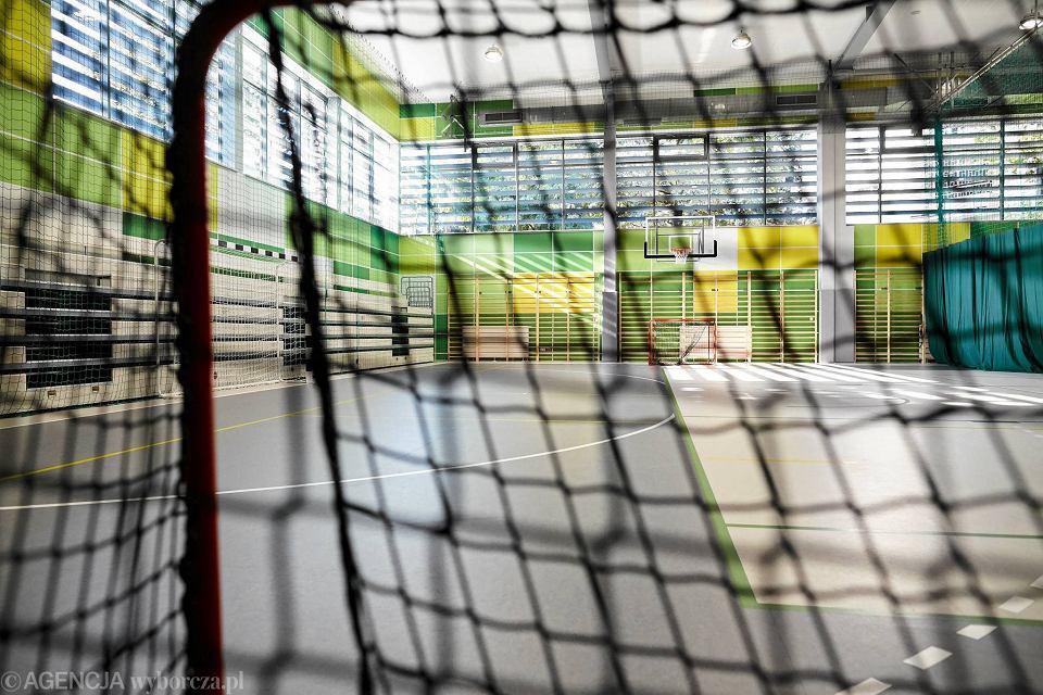 Zdjęcie numer 16 w galerii - VI LO w Gdyni ma wreszcie porządną salę gimnastyczną [ZDJĘCIA]